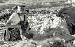 Après la pêche / After fishing (brunomalfondet) Tags: copacabana noiretblanc titicaca bolivie vieillefemme bestportraitsaoi