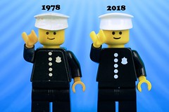 Like Father Like Son: Father Likes Son Likes the Classic Police (Lesgo LEGO Foto!) Tags: lego minifig minifigs minifigure minifigures collectible collectable legophotography omg toy toys legography fun love cute coolminifig collectibleminifigures collectableminifigureseries18 series18 series 18 lego71021 71021 classicpolice classicpoliceconstable classicpoliceman classicpoliceofficer police classic policeman policeconstable policeofficer officer pc 1978 2018