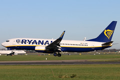 EI-DWS_01 (GH@BHD) Tags: eidws boeing 737 738 737800 b737 b738 fr ryr ryanair dub eidw dublinairport dublininternationalairport dublin aircraft airliner aviation