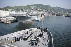 180428-N-DX072-032 (SurfaceWarriors) Tags: ussgreenbay lpd20 sailors deployment sasebo japan homeport seaandanchor deck usswasp lhd1 forecastle