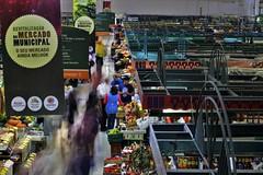 Mercado Municipal - CURITIBA (Guitavaress) Tags: mercado municipal curitiba pessoas longa exposição
