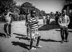 Zambia (XVII) (manuela.martin) Tags: bw blackandwhite leicammonochrom leicamonochrom leicam zambia afrika africa people peoplephotography streetphotography streetimages