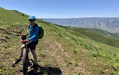 Frenchy Pt (scenic overload) ride (Doug Goodenough) Tags: bicycle bike cycle pedals spokes waha frenchy point pt flower sun spring green gras canyon snake salmon river trek stache giant anthem 29 plus scott jen vista view trail gravel grinding dirt may 2018 18 craig mountains drg531 drg53118 drg53118p drg53118pspringfrenchy flowers