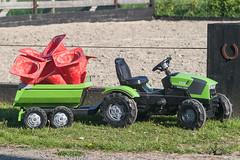 Heavy hauler (René Maly) Tags: renémaly deutzfahr traktor trekker tractor minolta km7d dynax 7d 470210 beercan