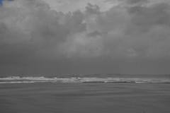 Portugal - Carrapateira (landeicgn) Tags: sea meer mar waves olas wellen black white bnw schwarz weis blanco negro felsen cliffs nature