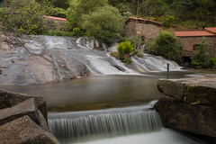 Parque da Natureza do río Barosa (Bego VilMar) Tags: cascada riobarosa seda efectoseda rio barosa parquenatural largaexposición silk longexposure river pontevedra galicia galiza paisaje agua árboles molinos