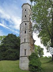 2017.07.23.028 DIJON - La chartreuse de Champmol, la tourelle d'escalier de l'oratoire ducal (alainmichot93 (Bonjour à tous - Hello everyone)) Tags: 2017 france europe ue bourgogne dijon architecture chartreusedechampmol ruines tour escalier