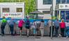 En attendant le peloton (axel274) Tags: d3400 nikon nikonpassion schweiz sion suisse switzerland valais wallis tourderomandie cyclisme spectateurs
