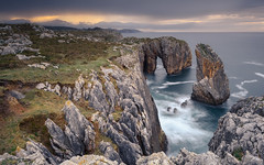 ENSENADA DE OLIENCU (JUAN GALLART) Tags: asturias españa ribadesella acantilado atardecer largaexposicion nikon d750 haida