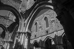 Abbazia di San Galgano, Toscana (MarcoAgustoniPhotography) Tags: abbazia di san galgano toscana abbey bianco e nero no color black white architettura chiesa mura incendio profili 1218