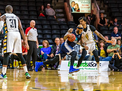 _L1D9076 (blaingsports@rogers.com) Tags: 2017 2018 arena ball basket basketball bruce budweiser canada centre gardens jlc john labatt laing lightning london nbl net ontario places players season stadium tall yellow action best center court game great hoop key live pictures player team teams mo bolden watson hurricanes