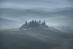 Rolling Tuscan hills (Richard Hunter ARPS) Tags: