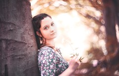 Helios sunset (hispan.hun) Tags: portrait helios swirly sonyphotography swirlybokeh bokehmonster bokeh soviet russian vintage classic manual manualfocus hispanhu hispansphotoblog 85mm sony sonya7ii forest woman girl smile sunshine summer happy happiness