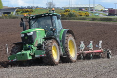 John Deere 6175R Tractor with a Kverneland 5 Furrow Plough (Shane Casey CK25) Tags: john deere 6175r tractor kverneland 5 furrow plough jd green traktor traktori trekker tracteur trator ciągnik ploughing turn sod turnsod turningsod turning sow sowing set setting tillage till tilling plant planting crop crops cereal cereals county cork ireland irish farm farmer farming agri agriculture contractor field ground soil dirt earth dust work working horse power horsepower hp pull pulling machine machinery nikon d7200