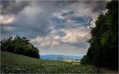 Wolken und Pusteblumen (linke64) Tags: thüringen natur landschaft deutschland germany wald wolken himmel gras gebäude bäume berge wiese raps pusteblumen kirche