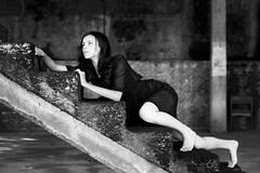 L'enfer Intérieur (Edward Zulawski) Tags: art artistic portrait girl woman walk stairs blackandwhite bw monochrome dark obscuro noir fille femme fear drama dramatic scene cinema cinematic contrast chaos brazil dirty intense horror terror asylum madness pose model lyingdown