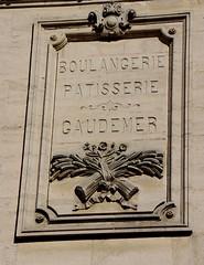 Sées - Boulangerie Gaudemer (Philippe Aubry) Tags: normandie orne campagnedalençon valléedelorne sées boulangerie boulangeriegaudemer enseigne basrelief commerce