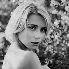 Cate (andresinho72) Tags: portrait portraiture retrato retratos ritratto girl woman mujer donna ragazza bella belleza bellezza beautiful beauty fujifilm xt10 mirrorless
