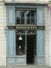 DSCF8290 (Benoit Vellieux) Tags: lyon france saintjean vieilleville ancienttown alstadt herbalistsshop heilkäuterladen herboristerie 5èmearrondissement 5thdistrict middleage moyenâge mittelalter