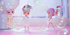 """""""No Katt, we don't want to see your bathroom dance anymore, please cover yourself"""" (_babycatface_) Tags: blythe blythecustom babycatfacedollies babycatface blythedoll custom customblythe customdoll cute cutiepie doll dollphotography dollcustom toy toyphotography takara takaradoll takaratoy"""