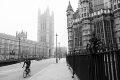 London Morning (diesmali) Tags: london england unitedkingdom uk bicycle cyclist mist morning blackandwhite victoriatower tower westminster city street canoneos6d canonef24105mmf4lisusm