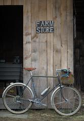 Picking up lamb and eggs on an errand run yesterday. (koperajoe) Tags: vintagetrek bicycle errandonee 650b lefol frenchfenders cyclotourisme farmstand trek613 helios44m velo