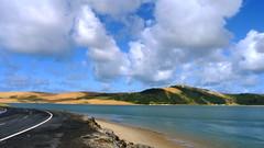 Neuseeland 2013 (WeltFarben) Tags: natur nature neuseeland newzealand landscape landschaft meer ocean sea see water wasser sand düne strase street himmel sky wolken clouds