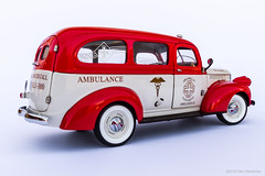 Suburban 2 (Ken Hendricks and Larry Patchett) Tags: franklinmint 1946 chevrolet suburban carryall rescue vehicle 124scale diecast model