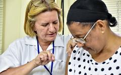 Vacinação H1N1 (Primeira Igreja Batista de Campo Grande) Tags: vacinação açãosocial humanitária vacina injeção vaccine helping pibcgrj pibcg editorfilipecarrilho fotografiajoãoluizlima campogrande riodejaneiro