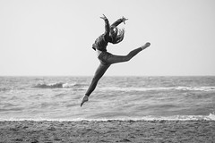 Ballet @ sea 1 B&W (Drummerdelight) Tags: ballet action freeze frame beach dehaan
