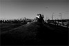 spi_348 (la_imagen) Tags: türkei turkey türkiye turquía istanbul istanbullovers sw bw blackandwhite siyahbeyaz monochrome street streetandsituation sokak streetlife streetphotography strasenfotografieistkeinverbrechen menschen people insan galatabrücke galataköprüsü galatabridge galataturm galatakulesi galatatower goldeneshorn goldenhorn haliç