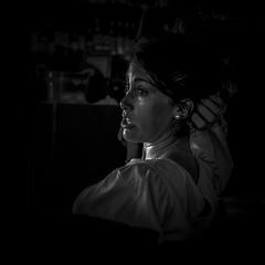 portrait (jemazzia) Tags: intérieur inside monochrome blackandwhite noiretblanc visage face gezicht gesicht cara faccia femme women donna mujer vrouw frau porträt retrato ritratto portret