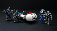 The Minor Tama Speeder (full view) (JellyBeanie81) Tags: banished brute spartan hunter halo lego mega bloks speeder alien minor white guns military