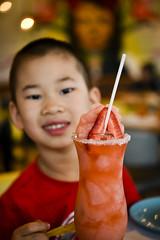 Nico vs strawberry [virgin] daiquiri (amesis) Tags: guacamolé strawberry daiquiri drink red