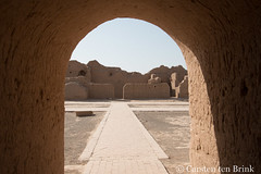 Gaochang ruins - Southwest Grand Buddhist temple (Preaching Hall) (10b travelling / Carsten ten Brink) Tags: 10btravelling 2017 asia asian asien carstentenbrink china chine chinese iptcbasic prc peoplesrepublicofchina silkroad tarim tulufan turfan turpan xinjiang adobe basin mudbrick tenbrink 中华人民共和国 中国 吐魯番