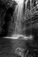 Nord Isère - cascade de la roche - waterfall (Jean-Philippe Le Royer) Tags: landscape eau noiretblanc bw blackandwhite canon pauselongue longexposure waterfall waterscape cascade