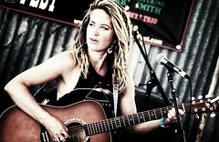 Stephanie Hatfield (www.keithlangermanphotography.com) Tags: stephaniehatfield crawdaddybluesfestival santafe musicphotography madrid blues femaleartists femalevocalists femalemusicians femaleportraits concertphotography newmexicophotographers newmexicophotography newmexico nikond3300 guitars