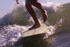 crosssteping (Yago Raymond) Tags: surf longboard noseriding 50mm 50 mm water housing cross step valencia burriana burrifornia quasimoto