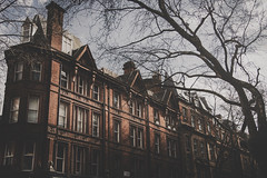 Traditional English Architecture (marcelo.guerra.fotos) Tags: london uk england oldbuild oldhouse street streetphoto nikon urbanscene urban detail