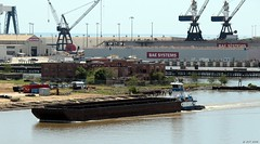 Barge on the River (zeesstof) Tags: zeesstof alabama mobilealabama historiccity city barge boat river mobileriver