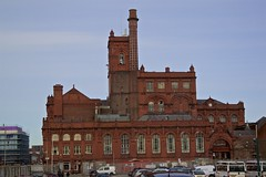 Higsons Brewery (TERRY KEARNEY) Tags: higsonsbrewery danielhigson beer ale brewery building buildingstructure buildingsarchitecture architecture georgianarchitecture chimney cars skyline sky buildings canoneos1dmarkiv daylight day explore europe england flickr kearney liverpool merseyside landscape city cityscape liverpoolcitycentre oneterry outdoor people terrykearney urban 2018 tower window door