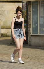 Fashion & Style, Stamford (dagomir.oniwenko1) Tags: stamford england uk street style sigma summer canon candid canoneos60d color dress dresses fashion mode girl girls woman female humans people portrait jeans shorts