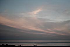 (Sa Shula de Tarifa) Tags: málaga andalucía andalusia españa spain torre del mar mediterranean sea mediterráneo playa beach hombre man persona person bicicleta bike relax nubes clouds cielo sky calma calm atardecer sunset