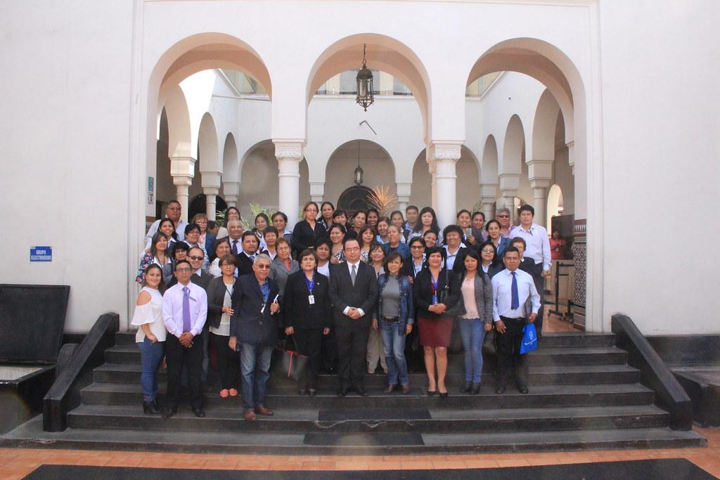 Reunión técnica de innovación en el rol del técnico y auxiliar de laboratorio
