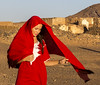 Wind in the desert (por agustinruizmorilla) Tags: blond exploring free adventuresome liberty light hearted adventuring hair natural unconcerned gown headgear arancha wind desert woman red agustin ruiz morilla