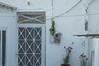 Ψίνθος (Psinthos.Net) Tags: ψίνθοσ psinthos mayday πρωτομαγιά μάιοσ μάησ άνοιξη may spring afternoon απόγευμα απόγευμαάνοιξησ ανοιξιάτικοαπόγευμα wreath στεφάνι μαγιάτικοστεφάνι oldhouses traditionalhouse παραδοσιακόσπίτι παλαιόσπίτι πόρτα door φούρνοσ παραδοσικόσφούρνοσ λουλούδια γλάστρα pot flowers peraneighborhood πέραγειτονιά