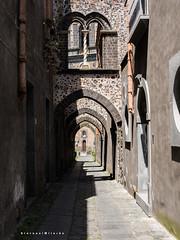 Street of Sicily 10 - Randazzo (Giovamilo_90) Tags: street streetph streetphotography streetphoto streetview streetphotographer strada sicily sicilia paternò archi randazzo