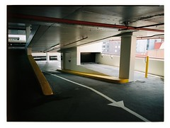 ↑ (@fotodudenz) Tags: fujifilm fuji ga645w ga645wi medium format film rangefinder 28mm 45mm point shoot wide angle melbourne cbd victoria australia 2018 kodak portra 400 carpark yellow paint white arrow red pipe