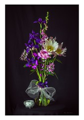 Garden wedding (Krasne oci) Tags: stilllife flowers flowerart evabartos romance love onblack fineart classic