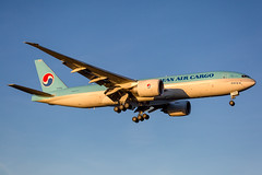 "HL8046 Boeing 777-FB5 Korean Air Lines (Andreas Eriksson - VstPic) Tags: hl8046 boeing 777fb5 korean air lines ""korean 509"" from seoul via amsterdam"